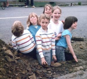 kids in hole 86